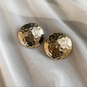 VTG Gold Hammered Large Round Clip On Earrings